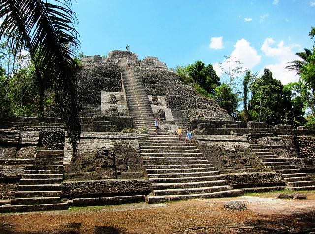 Visiting Lamanai Maya Ruins